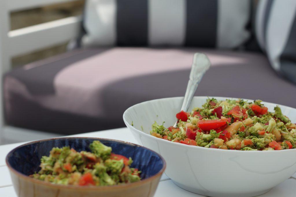 dieser 5 sekunden thermomix rohkost salat darf bei uns bei keinem grillen fehlen nelefees. Black Bedroom Furniture Sets. Home Design Ideas