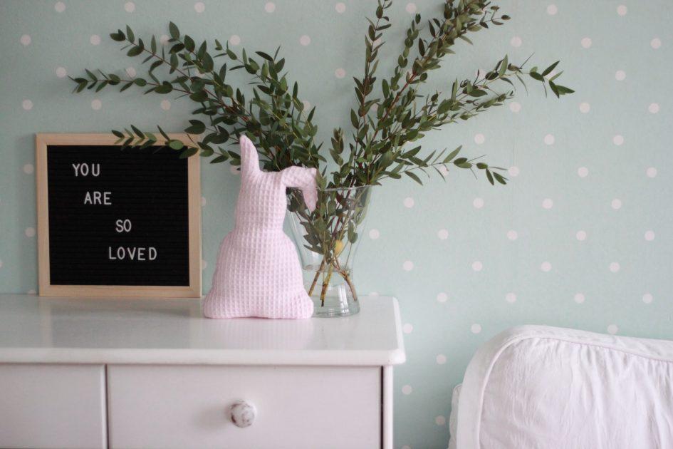 osterdeko diy osterhase n hen nelefees der familienblog. Black Bedroom Furniture Sets. Home Design Ideas